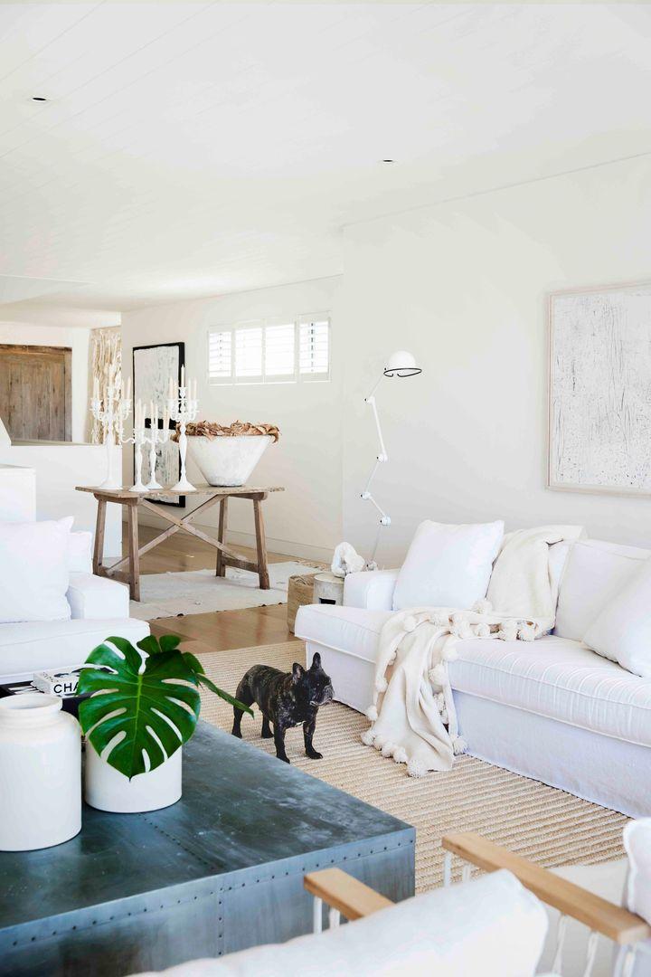 Escolha um sofá branco